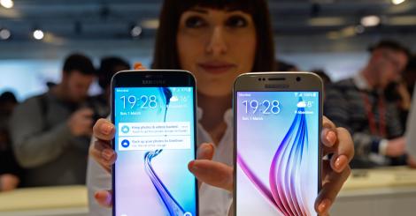 La empresa surcoreana presentó los modelos Galaxy S6 y S6 Edge.